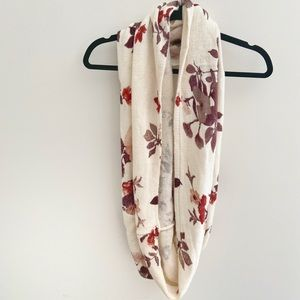 H&M | Floral Infinity Circle Knit Scarf